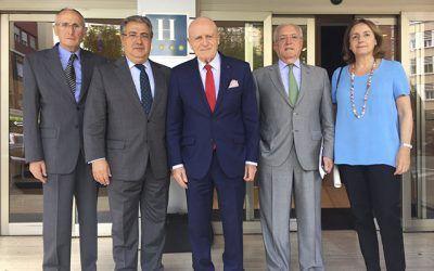 REUNIÓN DEL MINISTRO DEL INTERIOR CON LA MESA DEL TURISMO