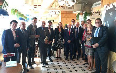 La Mesa del Turismo se reúne con Espinosa de los Monteros